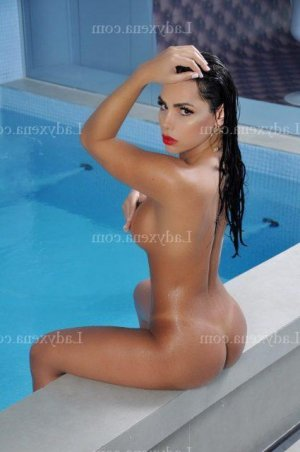 Vina escort girl massage sexemodel